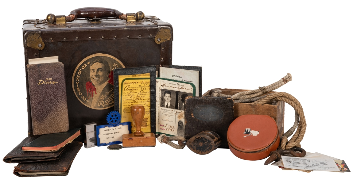 The Great Raymond's Traveling Case F26.