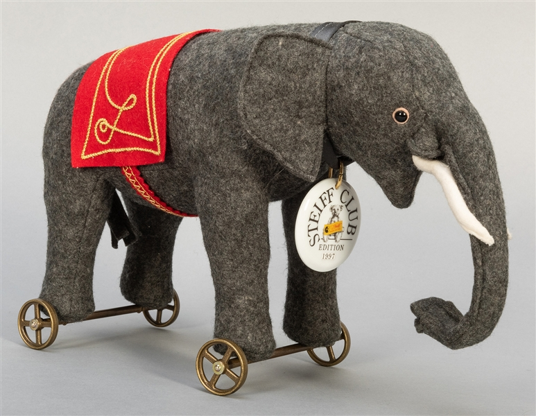 Steiff Club Elephant on Wheels Prototype. 1997. EAN 420115....