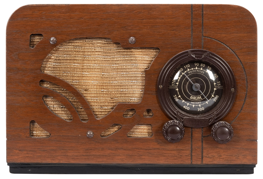 Airline Super Heterodyne Tabletop Tube Radio. 1930s. Having...